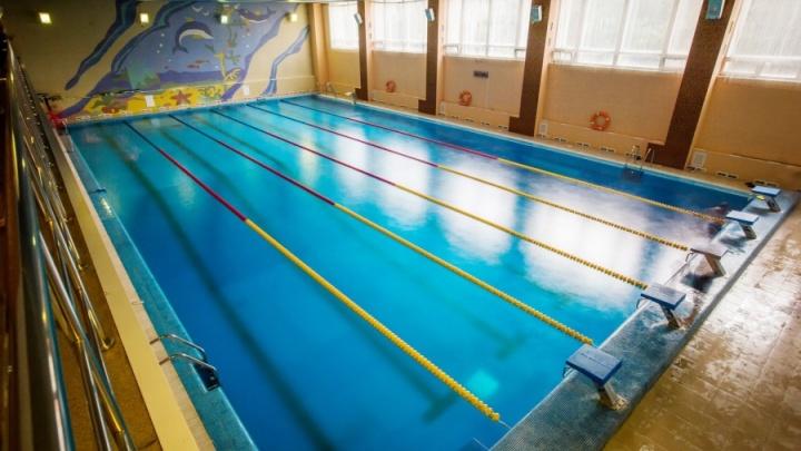 С турникетами и новым душем: бассейн в центре Новосибирска открылся после летнего перерыва