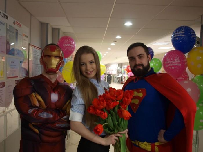 Такие супергерои в прошлом году поздравляли женщин в офисе компании «РОСЭК»