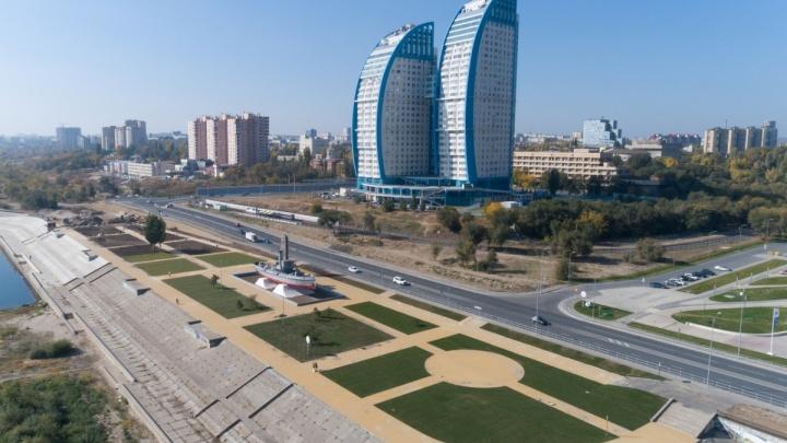 В Волгограде возле «Гасителя» сделают парковку на 40 мест за шесть миллионов рублей