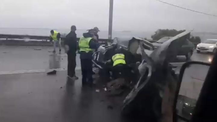 «От машины груда металла осталась»: на выезде из Челябинска произошла серьёзная авария