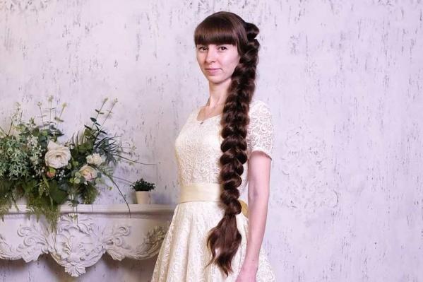 Кристина шьет кукол вручную и даже придумывает им необычные образы