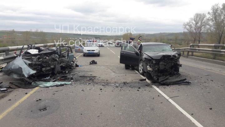 На Глубоком обходе «Аккорд» выехал на встречку и погубил водителя «Пассата»
