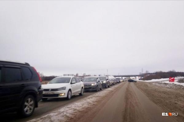 Огромная пробка со стороны Верхней Пышмы в Екатеринбург