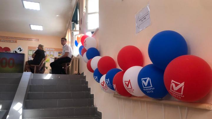 Булочки и досмотр на входе: как голосуют в Ростове ― онлайн-трансляция