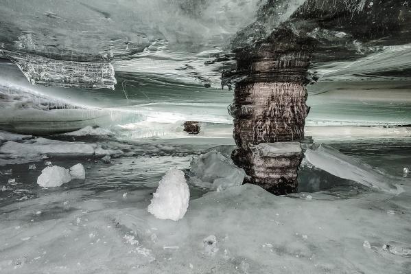Даже в Новосибирске есть своя ледяная пещера — на Шлюзе
