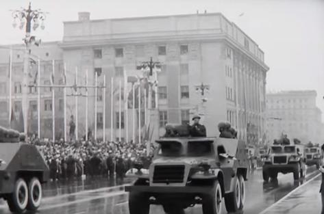 Новосибирец смонтировал фильм с редкими кадрами первого в городе парада Победы