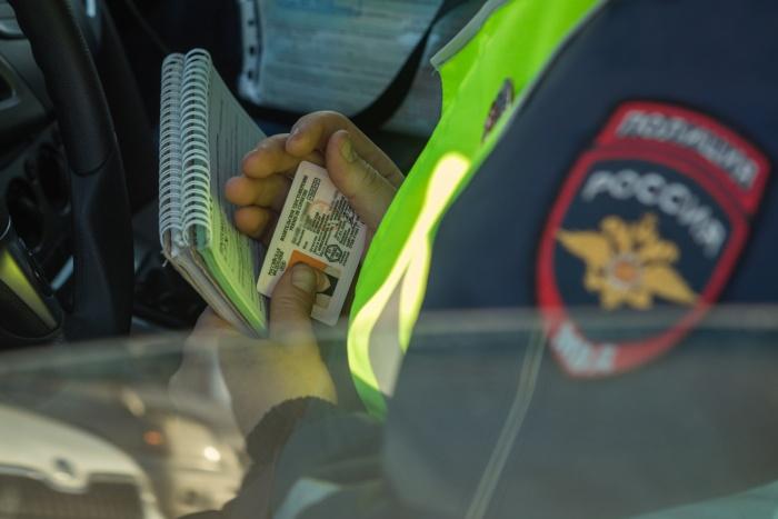Полиция выясняет все обстоятельства ДТП, в котором утром погиб 24-летний мужчина