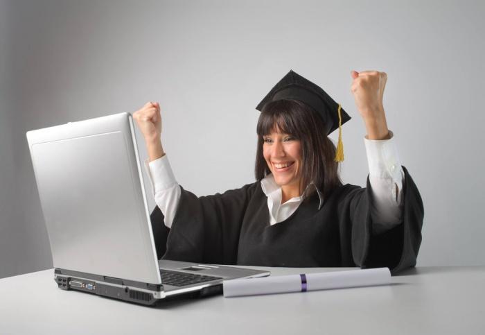 Работа на полную ставку не помешает получить полноценное юридическое образование