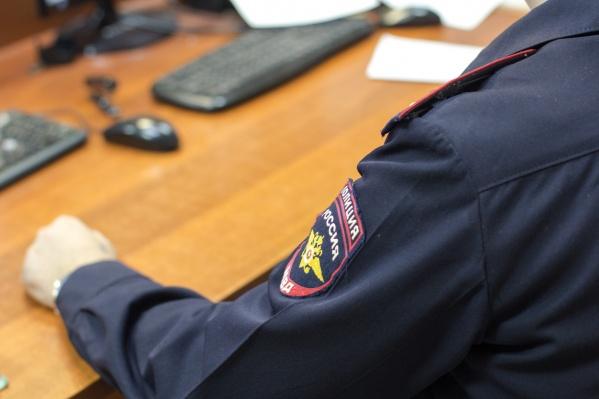 Стража порядка отстранили от работы