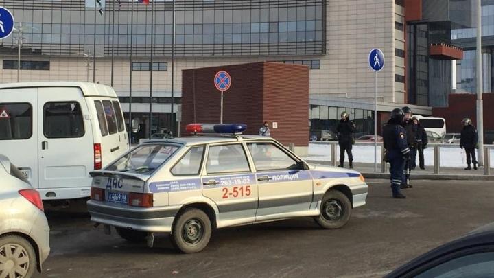 Отель Hyatt в Екатеринбурге оцепила полиция
