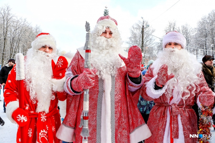 Площадок будет несколько, поэтому и Дед Морозов потребуется целая бригада