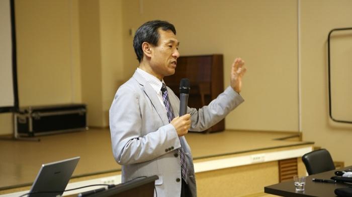 На лекции профессораСугимото