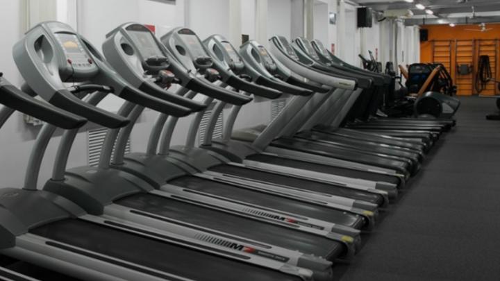 В Перми во время тренировки на беговой дорожке в Alex Fitness умер мужчина