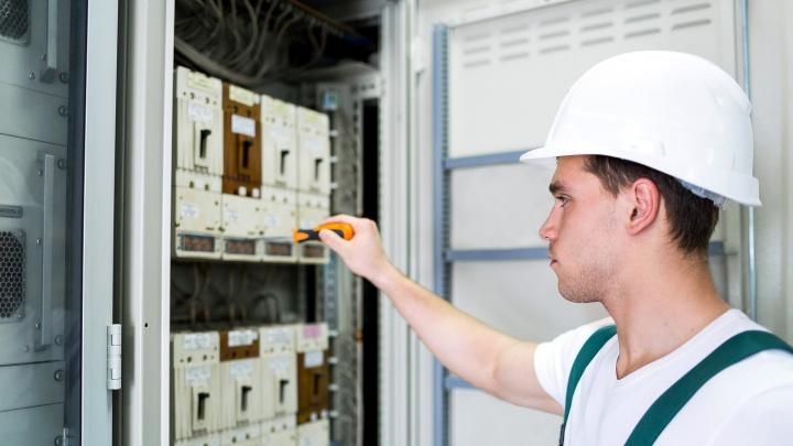 Как платить за свет меньше: поставщик электроэнергии указал на необходимость замены счетчика