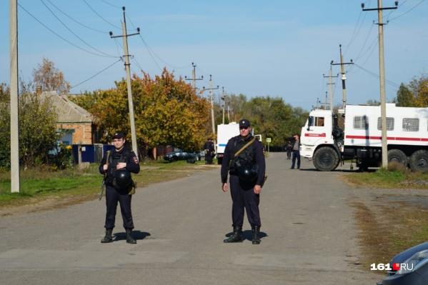 В Орловском районе из-за случившей между фермерами перестрелки работают силовика, а на дорогах - дополнительные патрули
