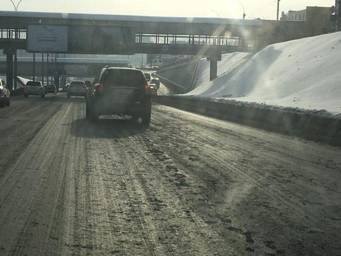 В грязи утопают крупные городские магистрали