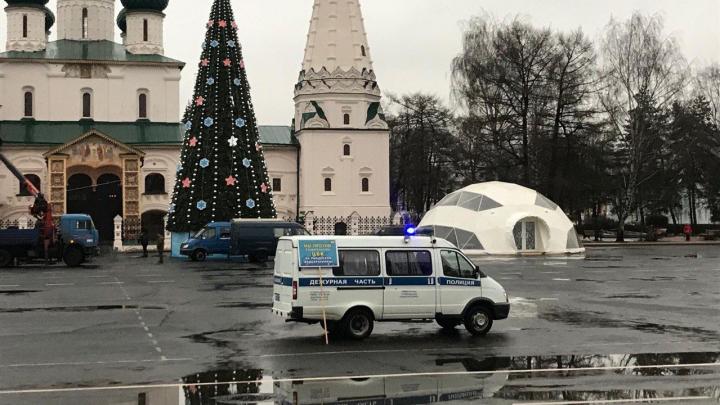 Ярославец в центре города вышел на одиночный пикет: за ним приехала полиция