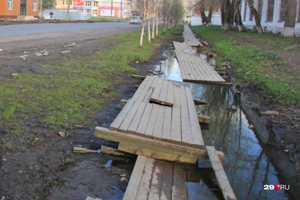 Многие деревянные тротуары в Архангельске пришли в негодность