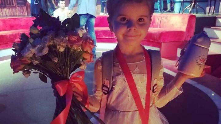 Самая гибкая девочка России из Лесосибирска снялась в шоу Галкина «Лучше всех»