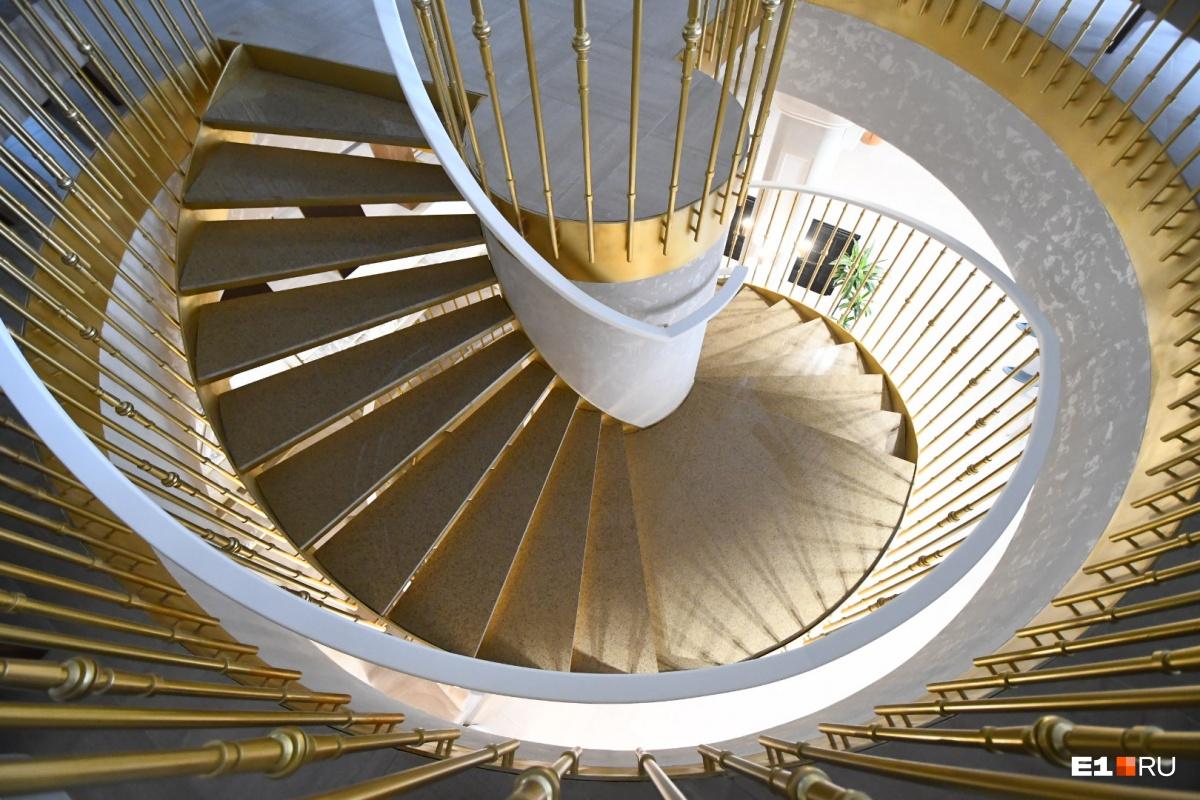 Лестница завораживает
