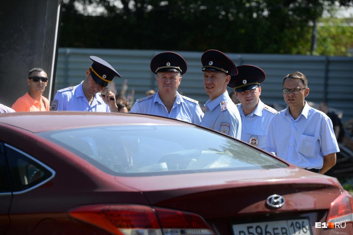 Полицейские не общаются с пришедшими на Open Plov