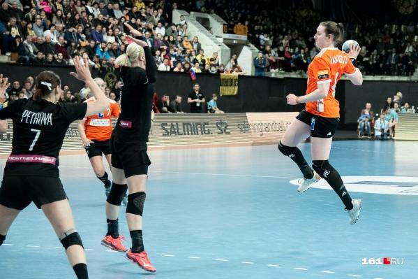 Команда «Ростов-Дон» одержала победу со счетом 25:19
