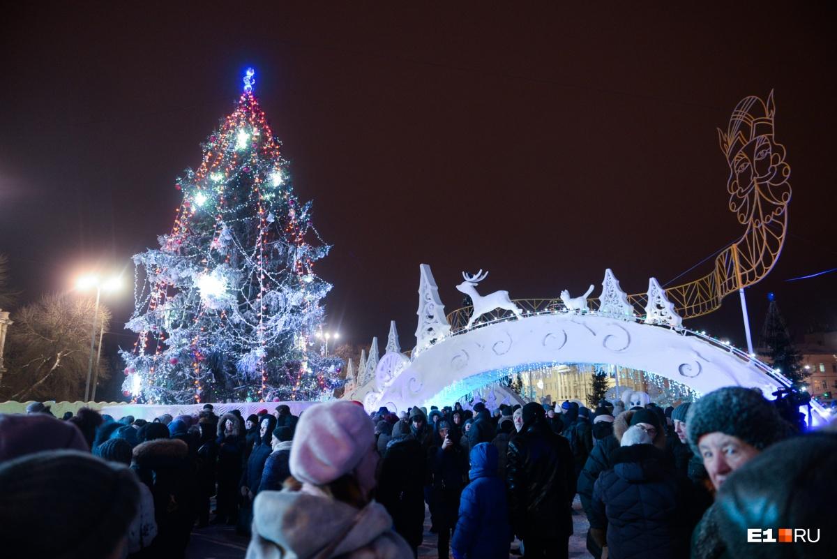 Так выглядит главная елка Екатеринбурга