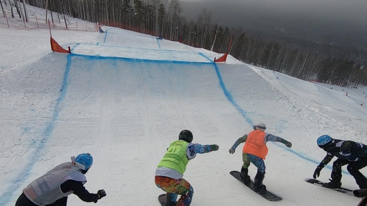 680 метров снежных препятствий: на горе Ежовой прошел этап Кубка России по сноуборд-кроссу