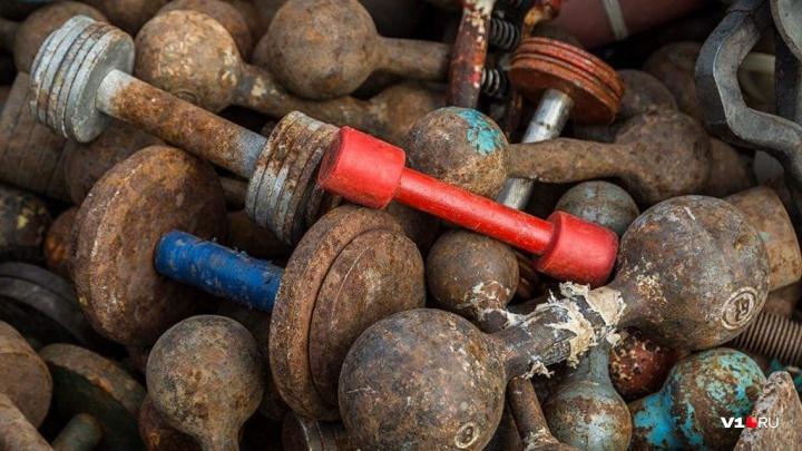 «Как я буду тренироваться?»: у волгоградского пенсионера украли 32-килограммовую гирю и гантель