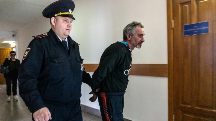 Омич, пытавшийся сжечь внука в печи, отправится в СИЗО на два месяца