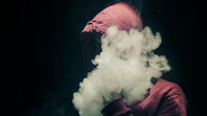«Не дыми на меня»: врачи рассказали, чем на самом деле опасно пассивное курение