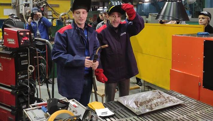 Сергей Шнуров поменял мнение о сварщиках, поработав на волгодонском заводе «Атоммаш»