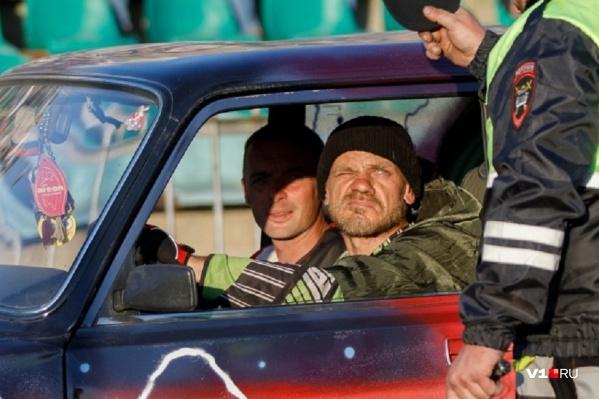 Волгоградцы не понимают, почему в одних регионах цены на справки 2000 рублей, а в других — 7000 рублей