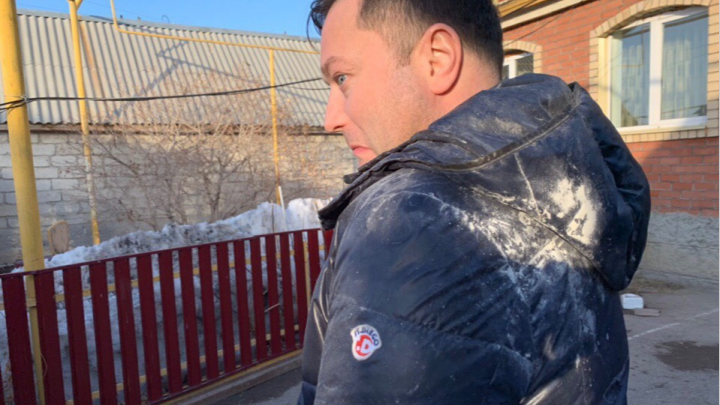 Скончался московский блогер Никита Исаев, которого осыпали мукой в Сибае