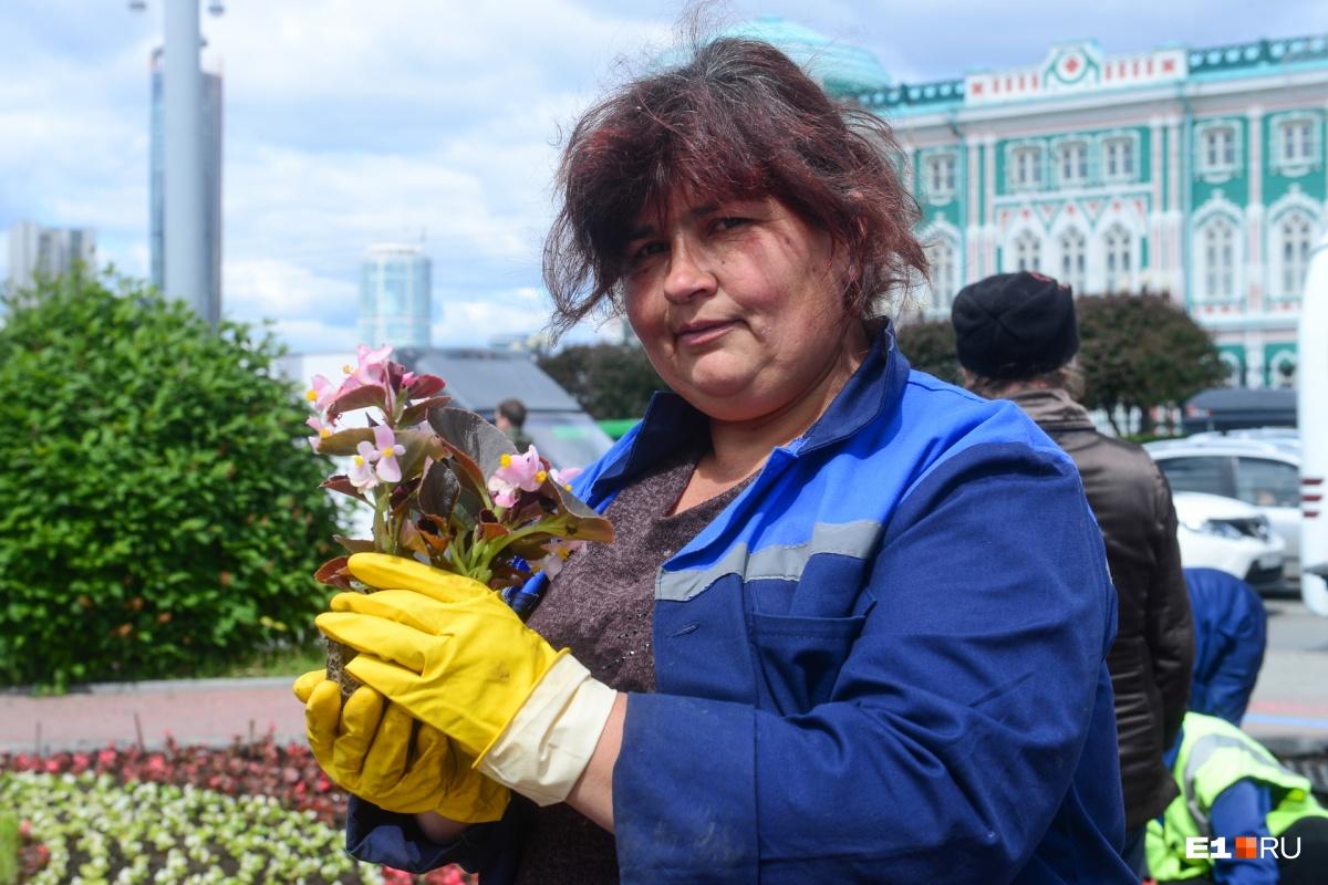 Екатеринбург, ты ли это? Фотоподборка шикарных цветников столицы Урала