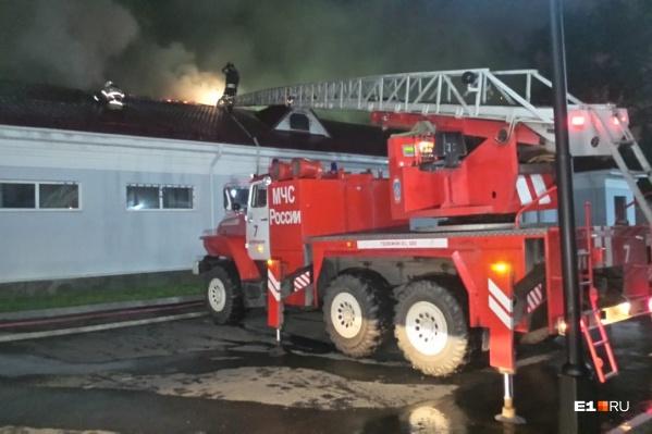 Пожар начался на чердаке