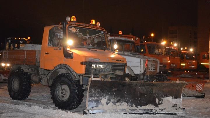 Последствия уфимского снегопада устраняли 2000 коммунальщиков