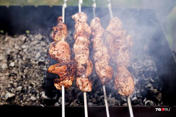 Во время особого противопожарного режима готовить еду на костре и углях запрещено