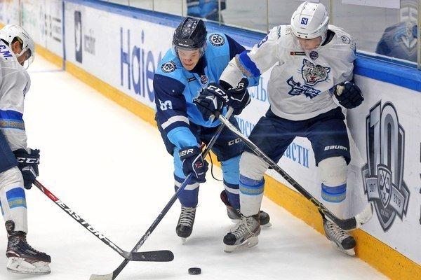 Хоккей: «Сибирь» уступила минской «Юности», а «Сибирские снайперы» выиграли у «Снежных барсов»