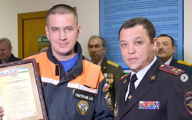 В Уфе наградили героя, который спас пострадавших в ДТП