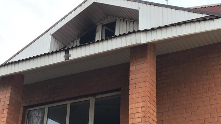 В Ростове пожар в жилом доме унес жизни людей