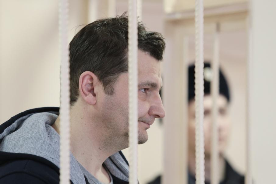 Юрия Карпусенко выпустили из-под стражи под домашний арест до 22 мая
