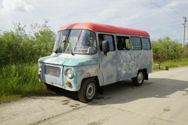 Этот польский автомобиль был сделан на мебельной фабрике. Официальное его название звучит так — Nysa. Но автомобилисты почему-то прозвали это авто «Фунтиком»