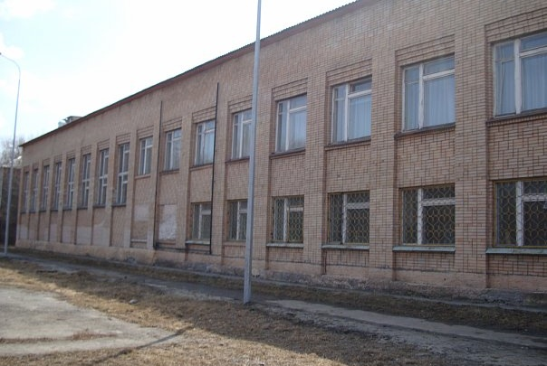 Из тюменской школы эвакуировали около 200 человек