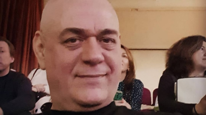 Упал с мотоцикла: легенда российской журналистики Сергей Доренко погиб в Москве