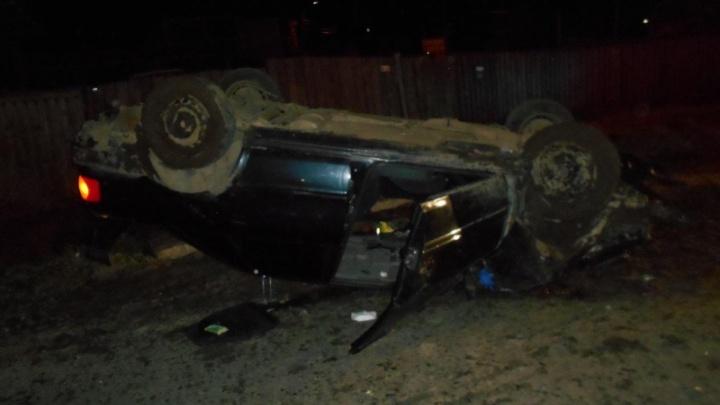 Машина вылетела с дороги и перевернулась: первые подробности о ДТП в Ярославской области