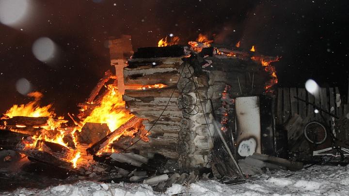 Сотрудники ГИБДД Башкирии спасли из пожара шесть человек