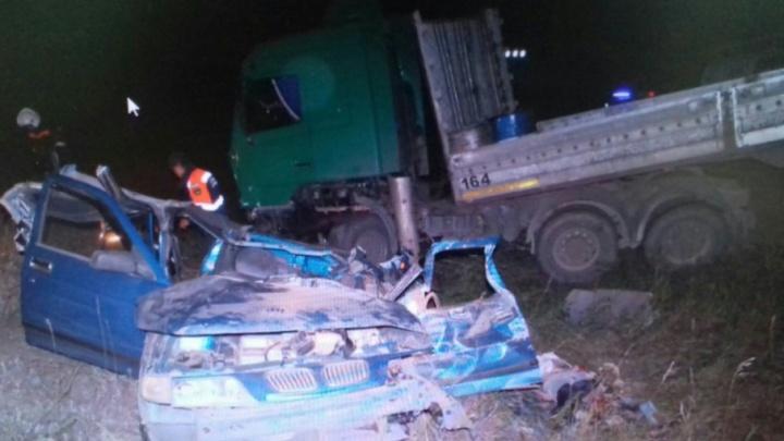 Смертельная авария на трассе в Башкирии: МАЗ смял «десятку»