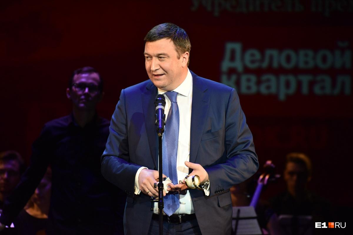 Тимур Уфимцев рассказал, что во время реконструкции арены ему дважды в неделю приходилось встречаться с Мутко: «До знакомства с ним мой русский язык был очень скуден»
