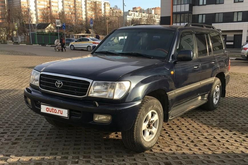 За эту Toyota Land Cruiser 100 просят 765 тысяч рублей